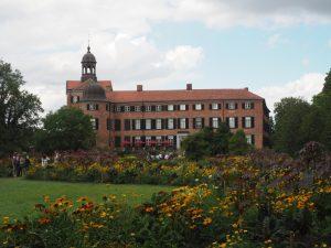 Blick über den Schloßgarten auf das Schloß